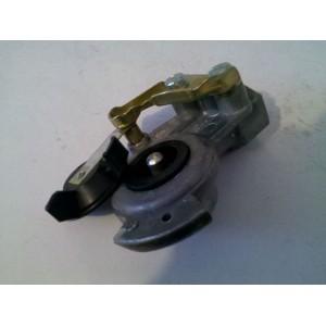 http://lokodiauto.hu/250-290-thickbox/potkocsi-legfekcsatlakozofej-m22x15-szelepes.jpg